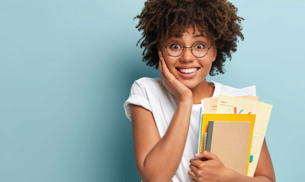 beneficios dos estudantes universitários